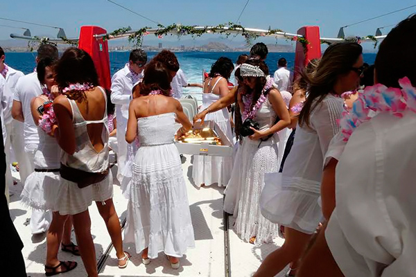 Despedida de soltera en party boat